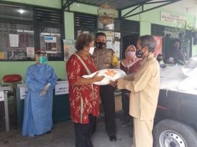 Distribusi  Bansos Beras Bagi KPM ( Keluarga Penerima Manfaat ) PKH  Kecamatan Umbulharjo