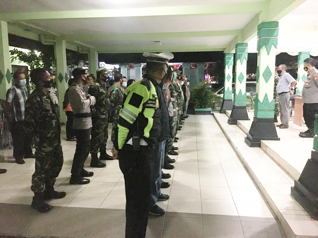 Forum Koordinasi Pimpinan Kemantren Umbulharjo melakukan Penegakan Kegiatan Pengetatan secara Terbatas Kegiatan Masyarakat (PTKM)